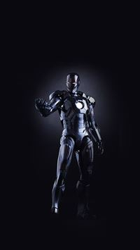 Ironman Dark Figure Hero Art Avengers iPhone 6(s)~8(s) wallpaper