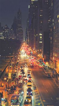 Busy New York Street Night Traffic iPhone 6(s)~8(s) wallpaper