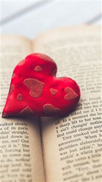 Romantic Heart Love Book Read iPhone 6(s)~8(s) wallpaper