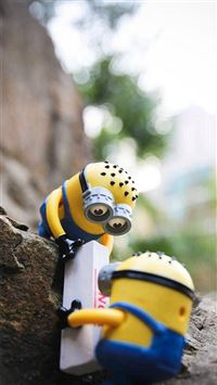 Cute Lovely Minion Toy iPhone 6(s)~8(s) wallpaper