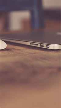Soft Macbook Apple Desk Art Bokeh City iPhone 6(s)~8(s) wallpaper