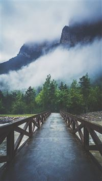 Forest River Crossing Mountain Fog  iPhone 6(s)~8(s) wallpaper