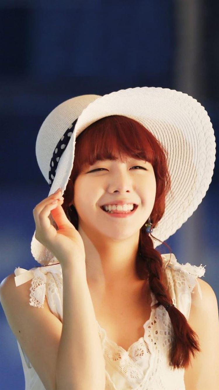 Cute Sweet Beauty Girl Model Photography iphone 8 wallpaper ilikewallpaper com