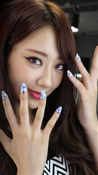 Asian Girl Cute Nail iPhone 6(s)~8(s) wallpaper