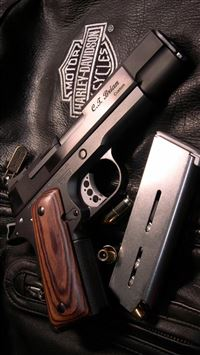 Military Weapon Gun Leather Clothing iPhone 6(s)~8(s) wallpaper