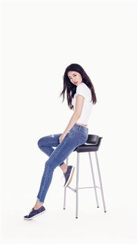 Suji Kpop Girl White Jean iPhone 6(s)~8(s) wallpaper