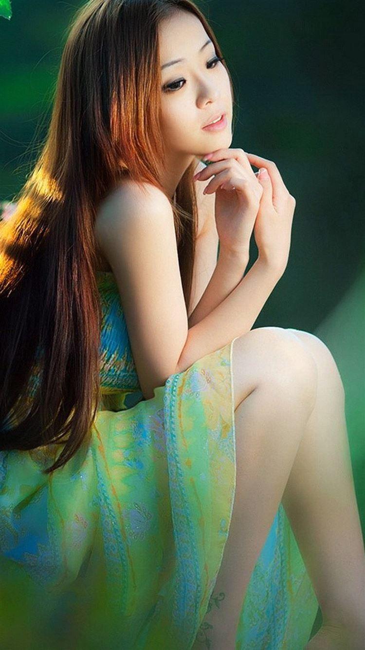 Beautiful Long Hair Elegant Quiet Girl Iphone 8 Wallpapers Free Download