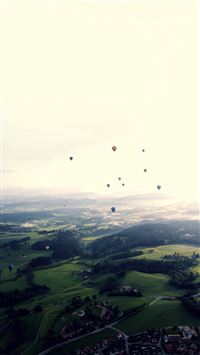 Balloon Party Green Blue Wide Mountain Nature iPhone 6(s)~8(s) wallpaper