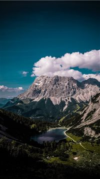Zugspitze shrouded in clouds iPhone 6(s)~8(s) wallpaper