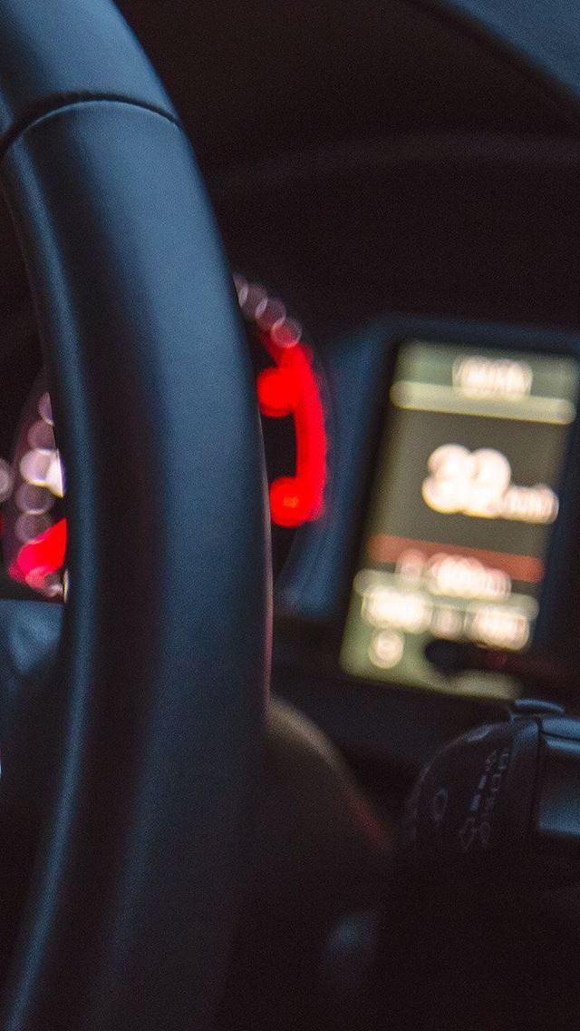 Car Audi Drive Interior Motor Man IPhone Se Wallpaper