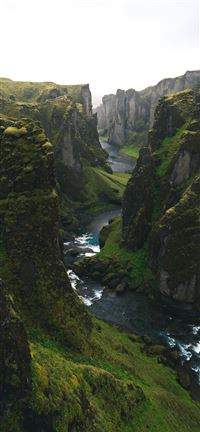 The Canyon too Hard to Pronounce iPhone 5(s/c)~se wallpaper