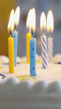 Candles on Birthday Cake iPhone 5(s/c)~se wallpaper