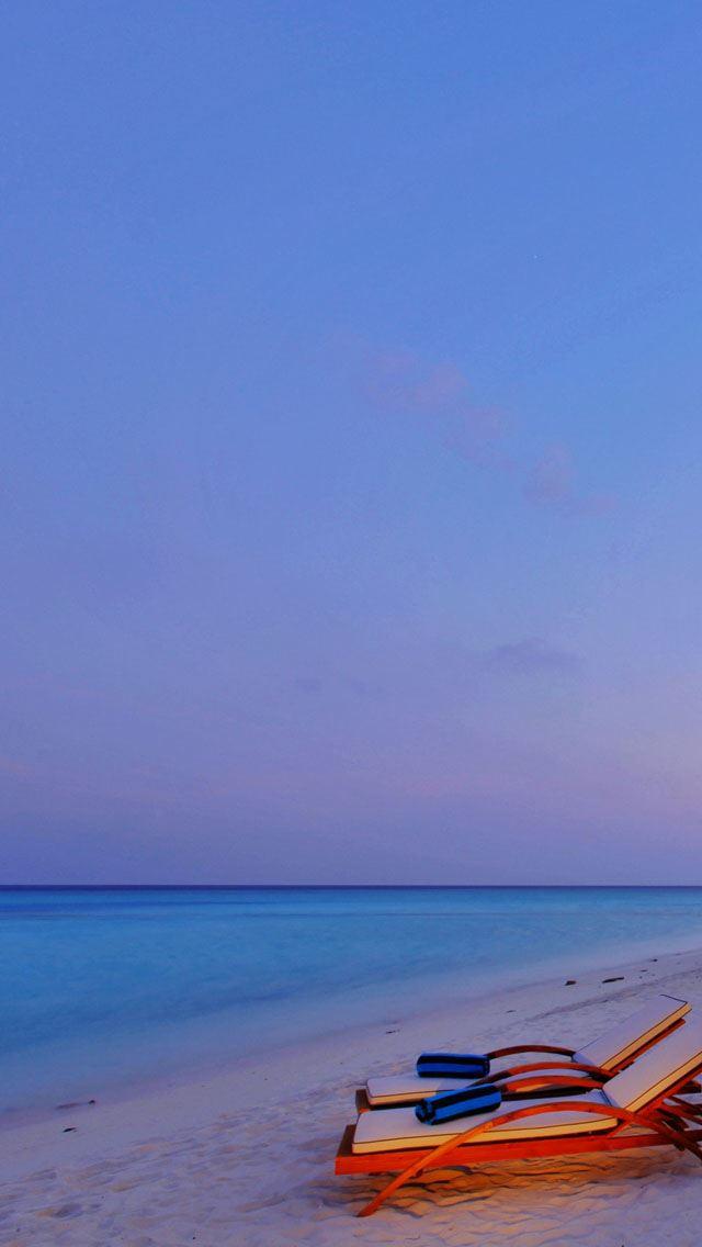 Luxury Beach Resort IPhone Se Wallpaper