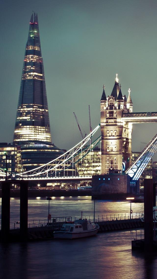 Tower Bridge Of London Iphone Se Wallpaper Download Iphone