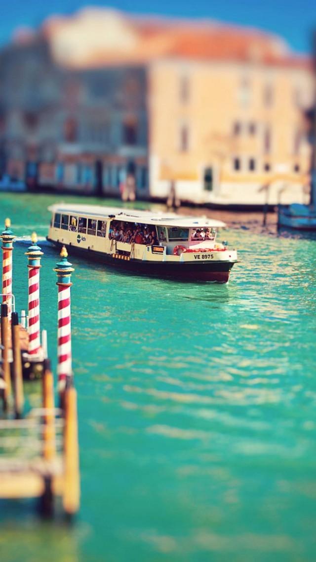 Summer Venice iPhone wallpaper