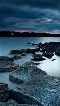 Strange sunset over lake iPhone 5s wallpaper