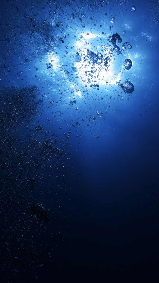 Underwater bubbles iPhone wallpaper