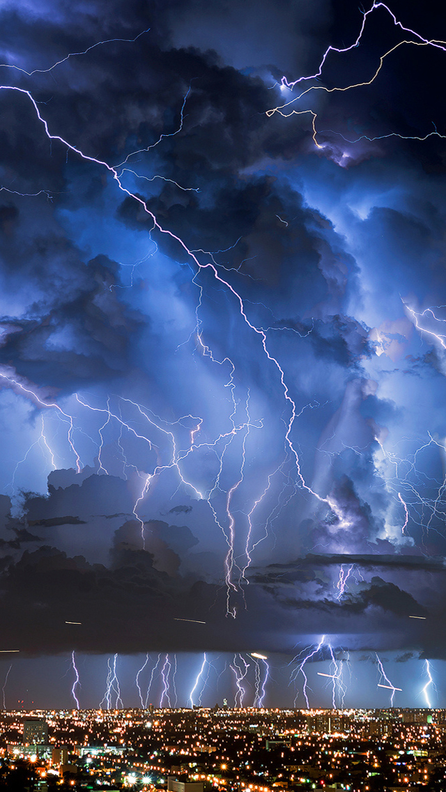 Lightnings iPhone wallpaper
