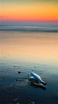 Drift bottle Beach iPhone 5s wallpaper