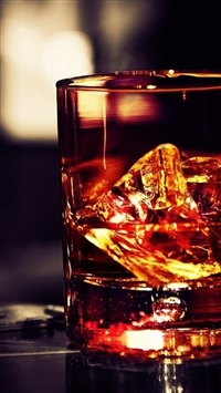 Whiskey Glass Ice Rocks iPhone 5s wallpaper