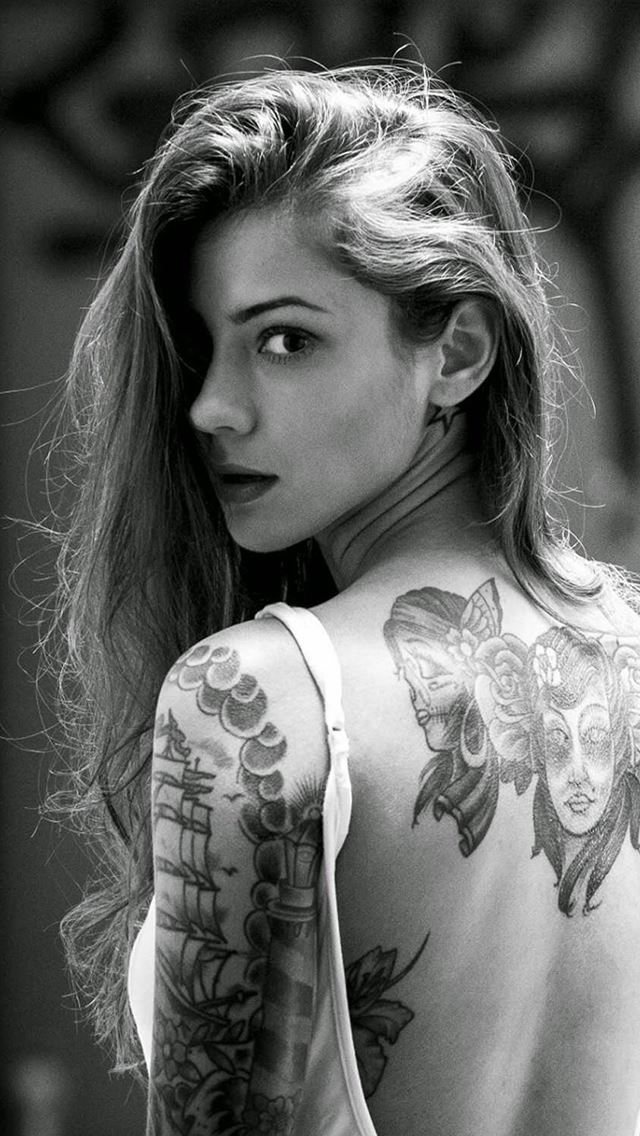 Beautiful Girl Tattooed Back iPhone wallpaper