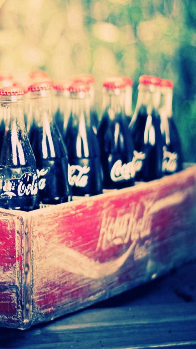 Vintage Classic Coca Cola Box iPhone wallpaper