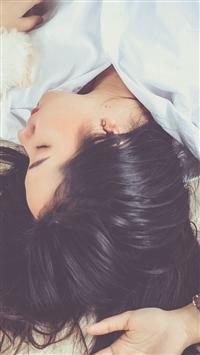 Girl Lies Shirt Loose Hair iPhone 5s wallpaper