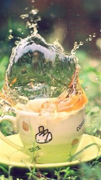 Tea Spray Earth Grass Saucer Green Cup iPhone 5s wallpaper