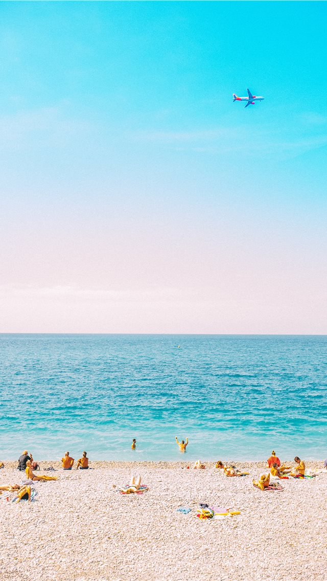 Sunbathing in Nice iPhone wallpaper
