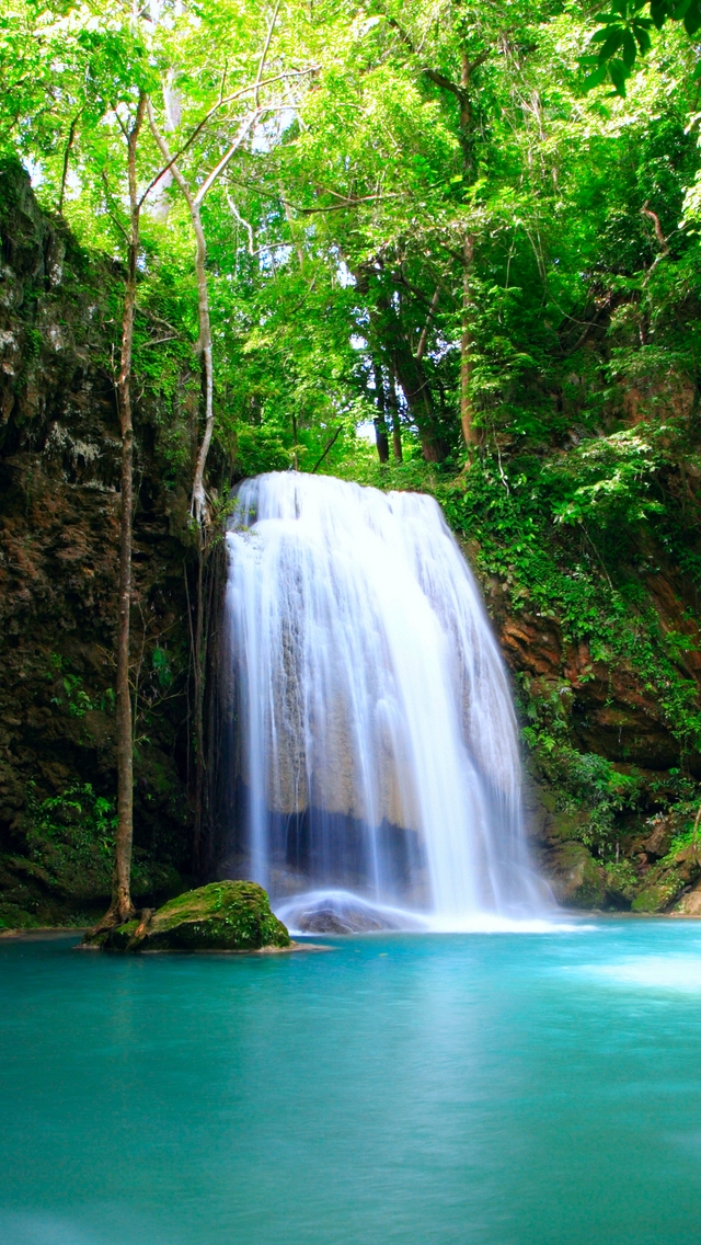 Beautiful Waterfall iPhone wallpaper