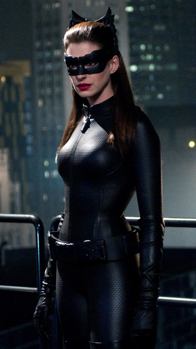 Anne Hathaway Catwoman iPhone wallpaper