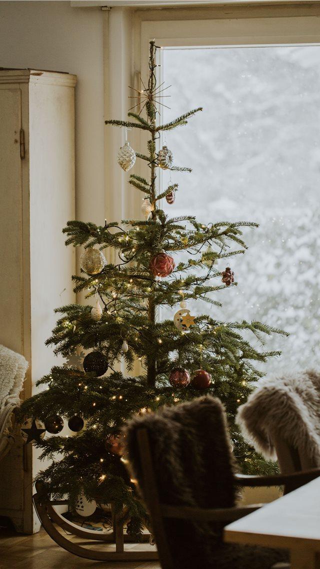 christmas tree iphone wallpaper ilikewallpaper com