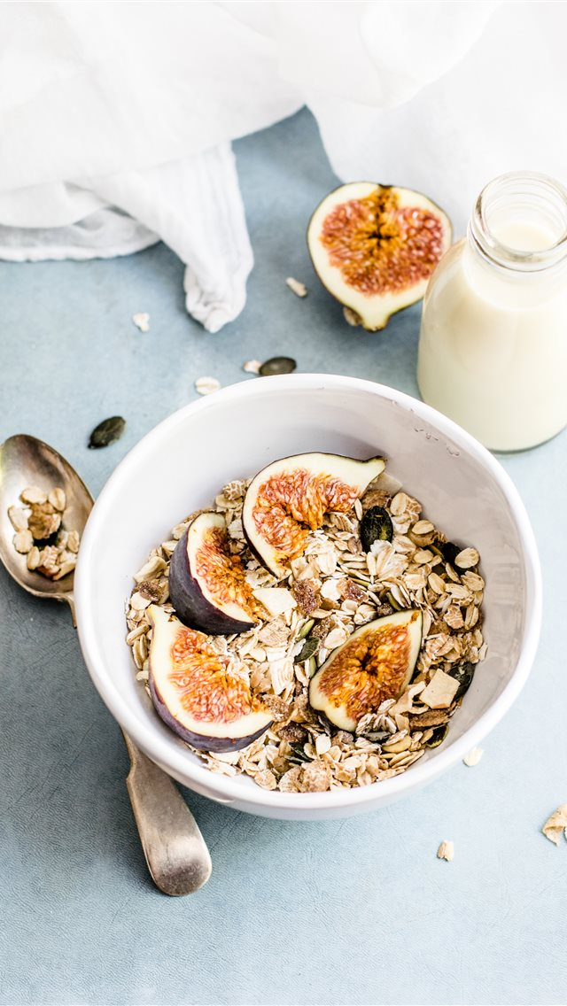Granola with figs iPhone wallpaper
