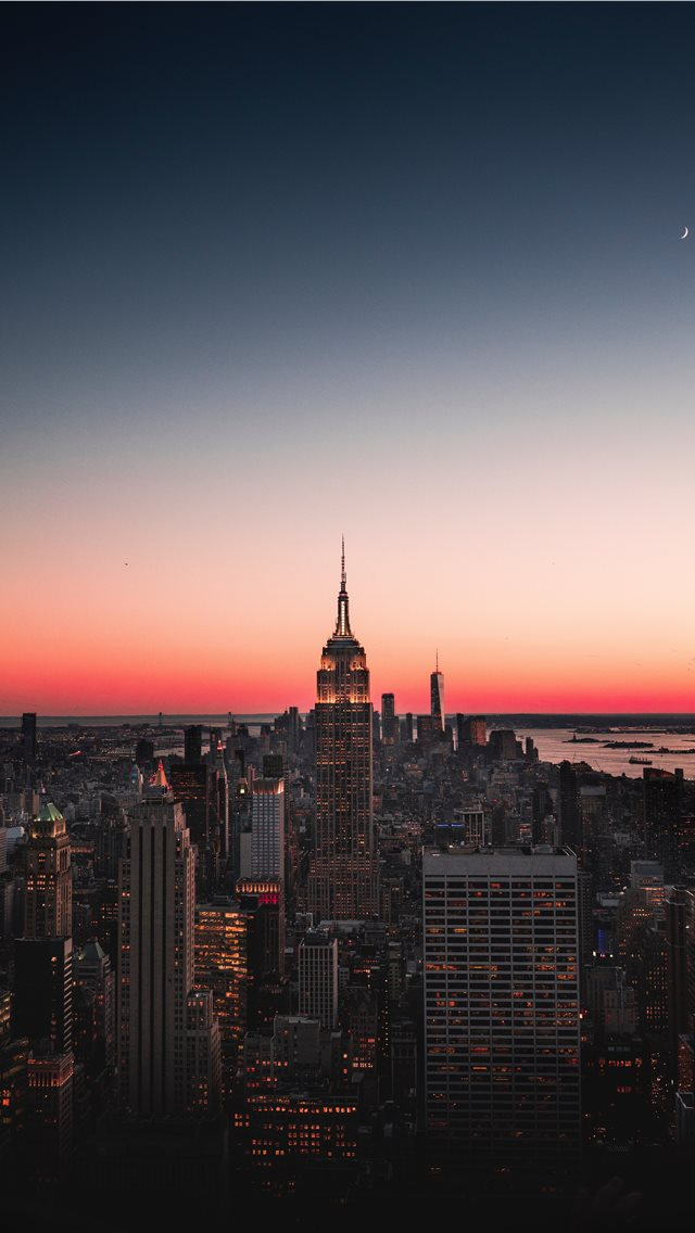 The Empire State  Vertically framed  iPhone wallpaper