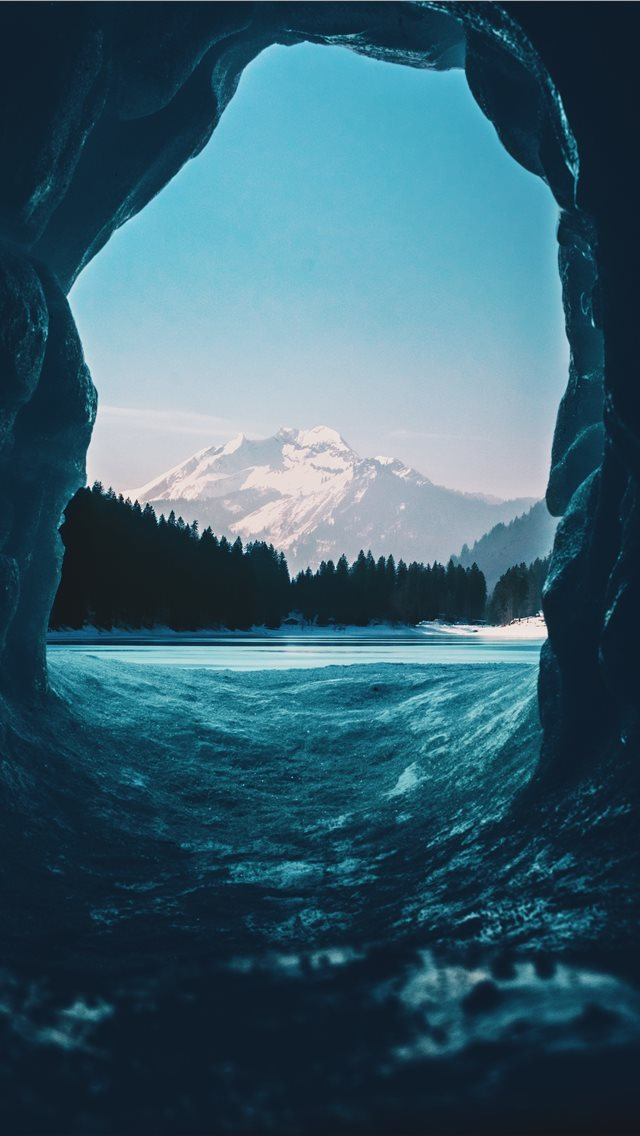 in my igloo iPhone wallpaper