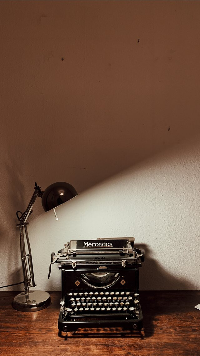 Typewriter iPhone wallpaper