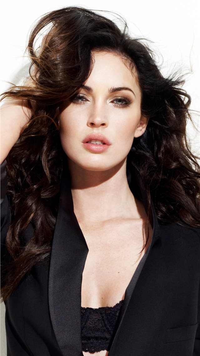 2019 megan fox new iPhone wallpaper