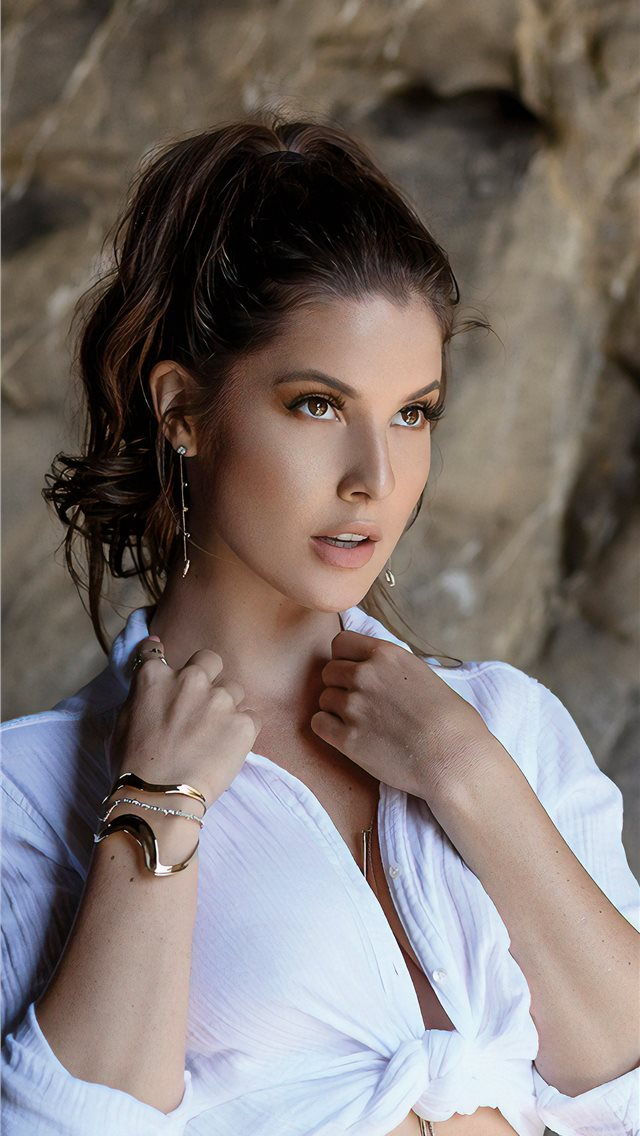 amanda cerny maxim 2019 iPhone wallpaper