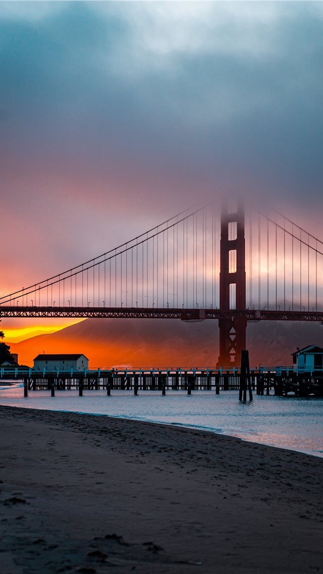 Golden Gate at sunset      d... iPhone wallpaper