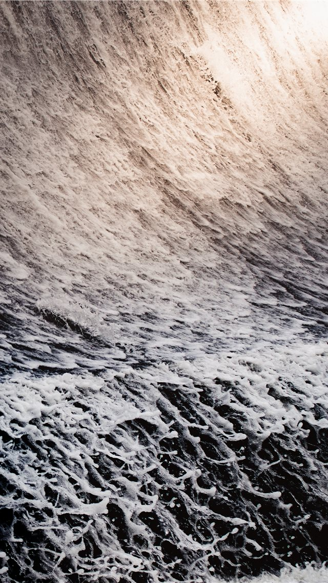sea waves iPhone wallpaper