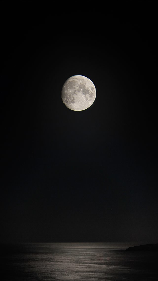 gray full moon over the sea iPhone wallpaper
