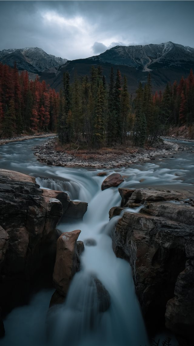 flowing water iPhone wallpaper