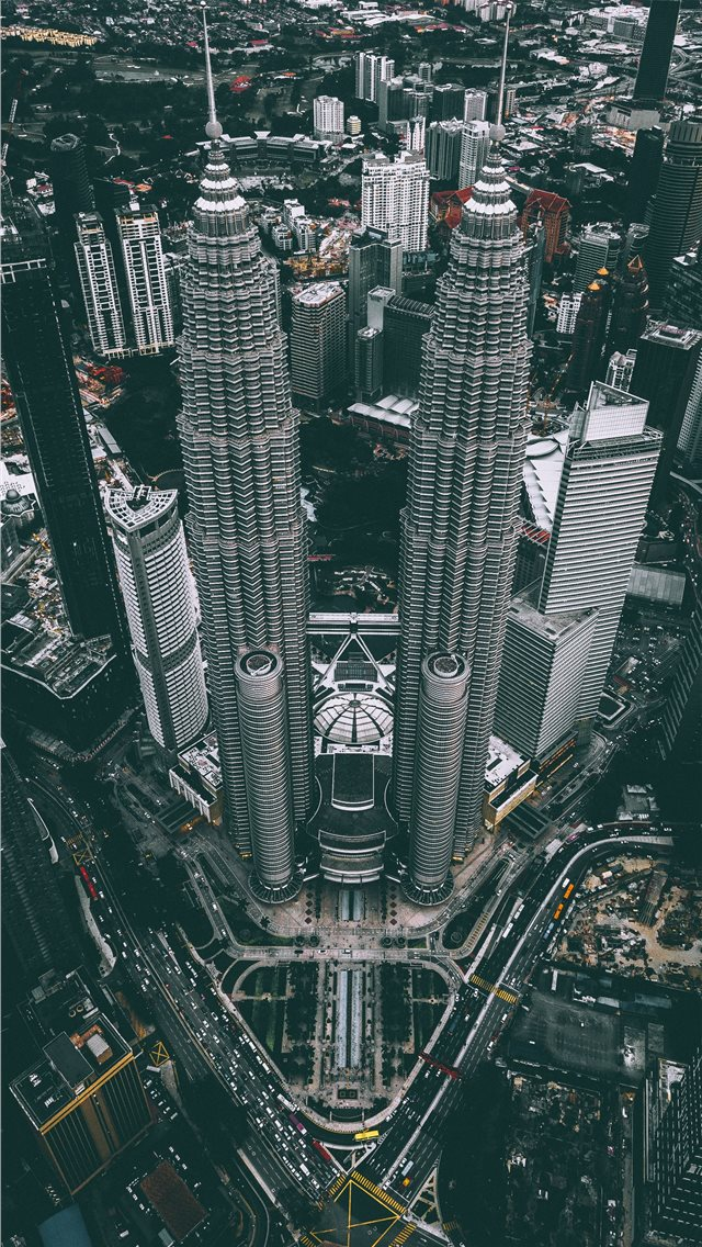 aerial photograph of Petronas Twin Tower Malaysia iPhone wallpaper