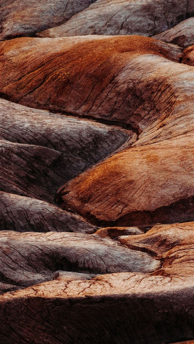 brown rocks iPhone wallpaper