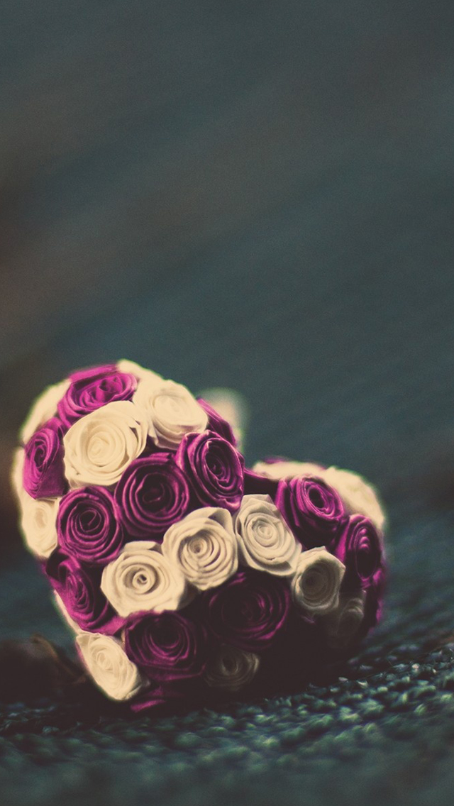 Roses heart iPhone wallpaper