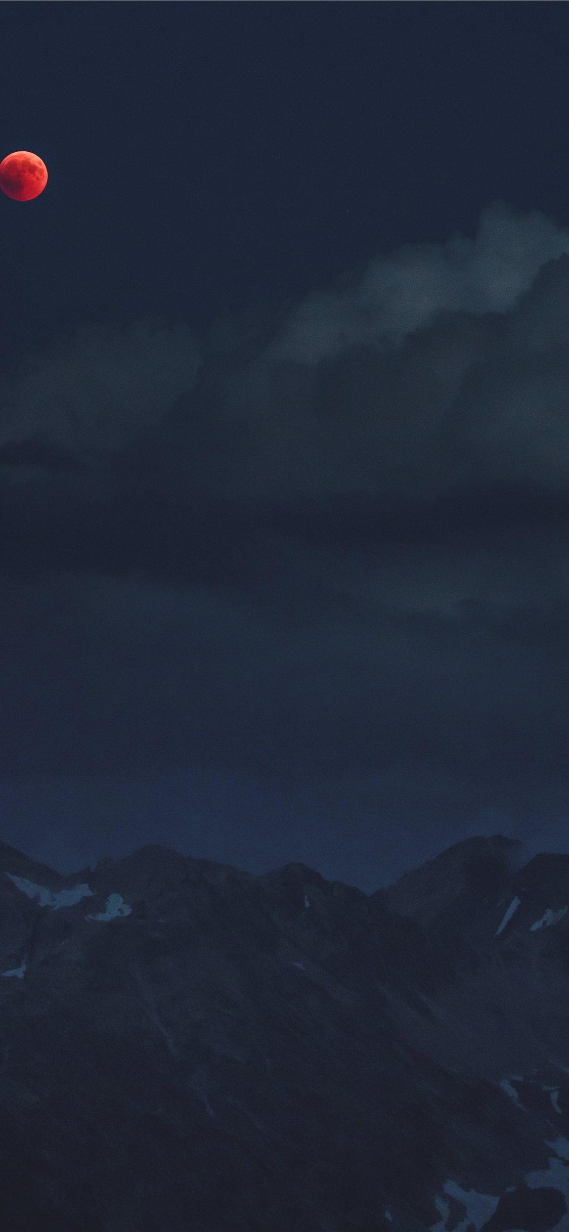 ed170b5b6de8 Blood Moon Over A Dark Mountain Iphone X Wallpaper Download Iphone