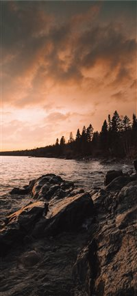 North Shore Minnesota iPhone X wallpaper