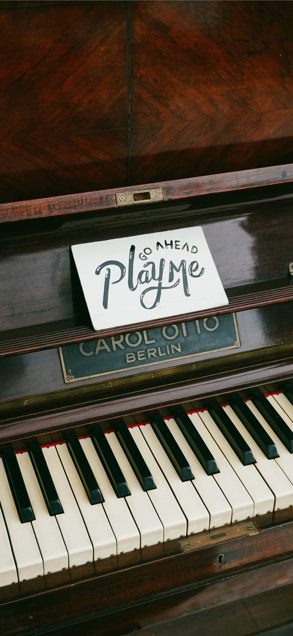 Play Me Iphone Wallpapers Free Download
