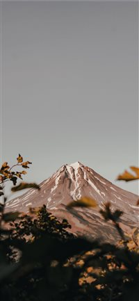 Autumn  Vilyuchinsky volcano  iPhone X(S/Max/R) wallpaper
