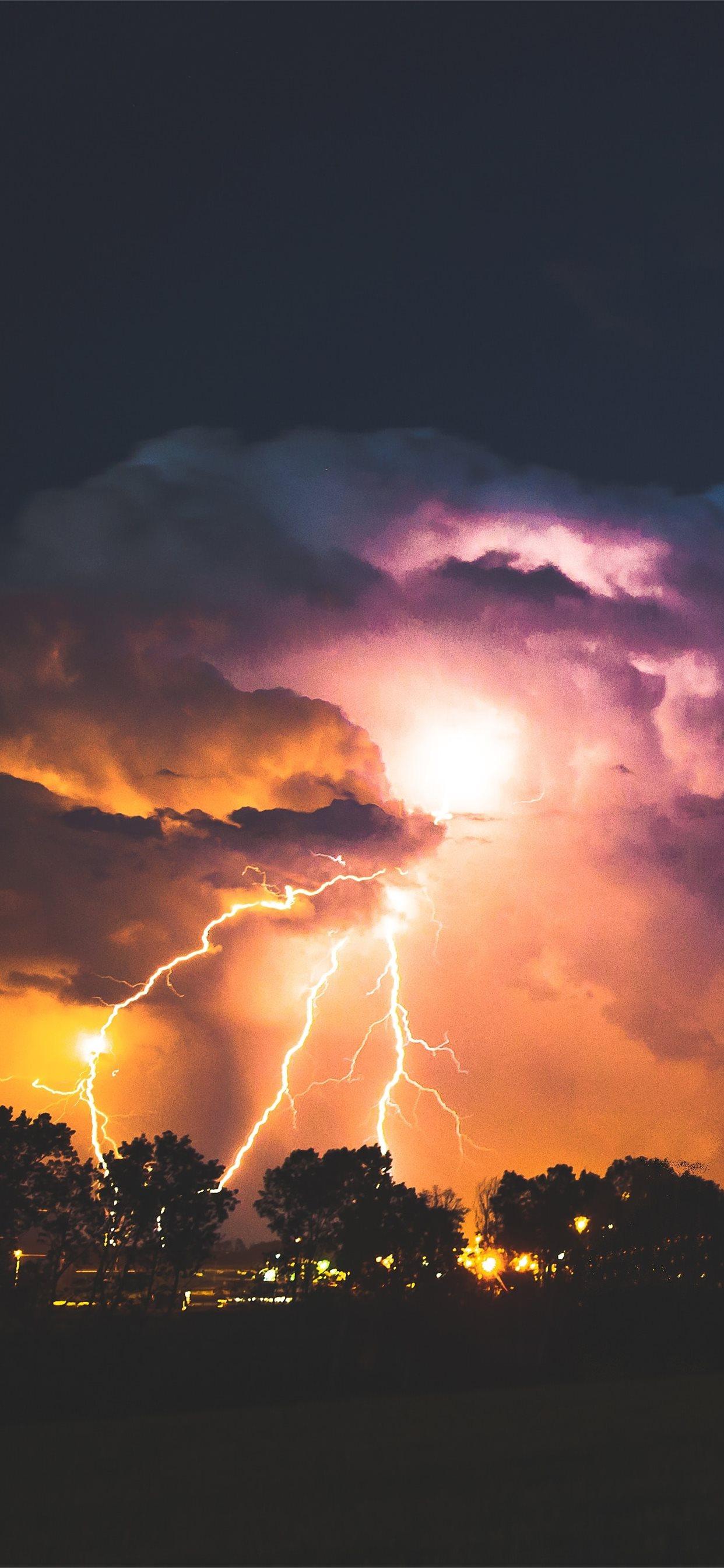 lightning strike at night iphone xs max wallpaper